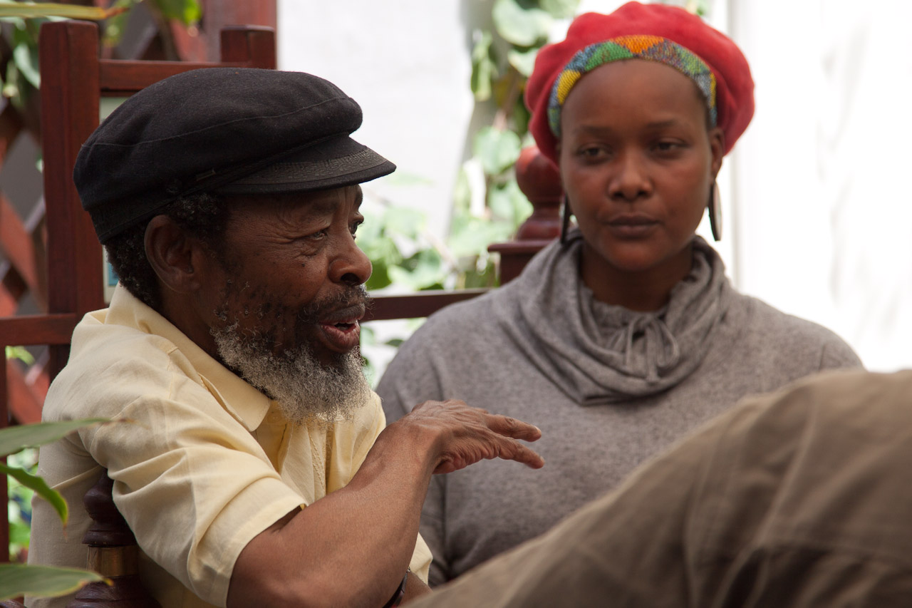 Keoropetse_Kgositsile_discussion_by_Peter_Bennett_IMG_8385s